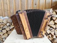 """Steirische Harmonika Alpen """"die Hölzerne"""" Olive F b es as"""