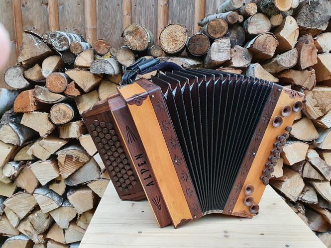 """Steirische Harmonika Alpen """"die Hölzerne"""" Apfelbaum G C F B"""